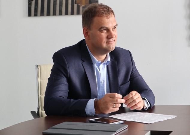 Евгений ковнир найти работу девушке 18 лет